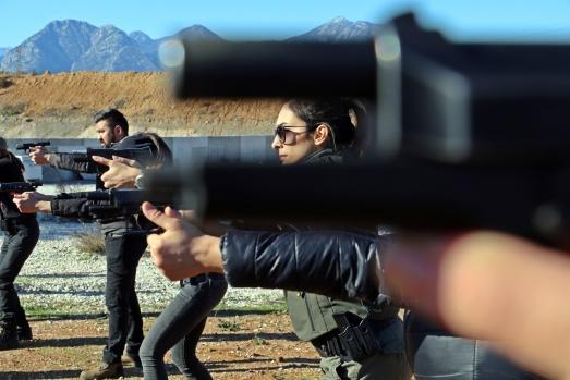 Antalya'nın kadın polisleri erkek meslektaşlarına taş çıkartıyor