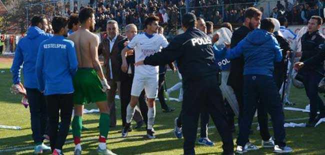 Antalya'daki maçta olaylar çıktı