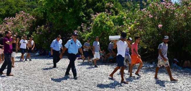 Antalya'da Seyyar Satıcı Operasyonu