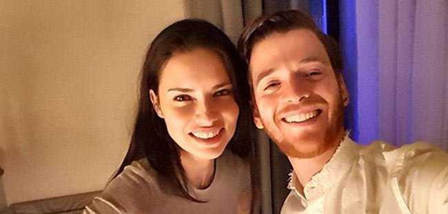 Türk yazar Adriana Lima ile birlikte