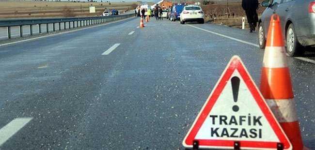 Antalya'da otomobille motosiklet çarpıştı