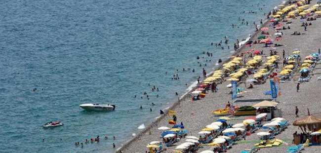 Antalya'da yüksek nem bunaltıyor