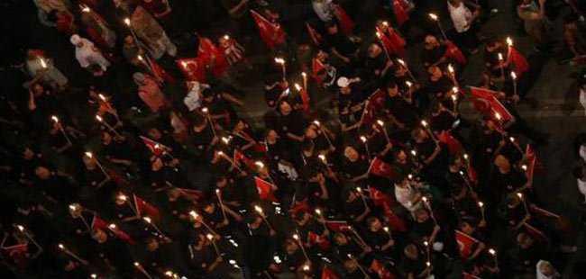 Binlerce Antalyalı darbeye karşı yürüdü