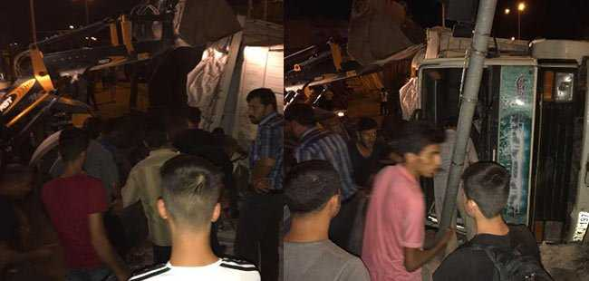 Mardin'de TIR, otomobile çarptı