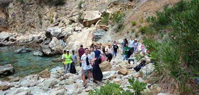 Turistlerden örnek davranış