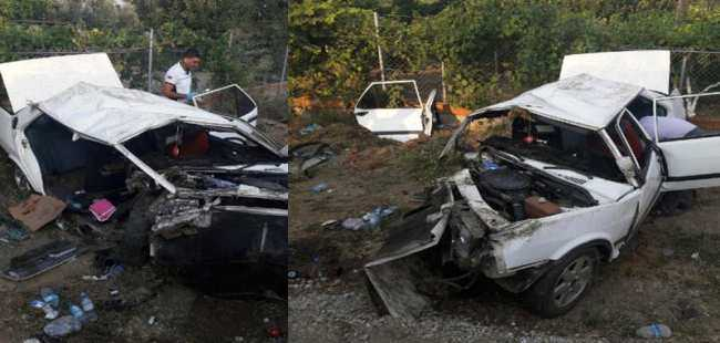 Muğla'da otomobil direğe çarptı