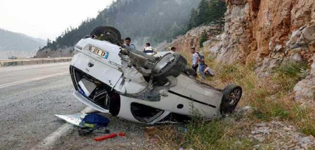 Akseki'de otomobil takla attı
