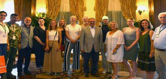 Hollandalı gazetecilerden Karaloğlu'na ziyaret