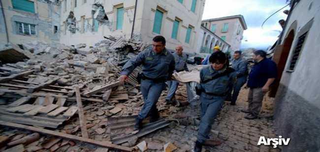İtalya'da deprem oldu