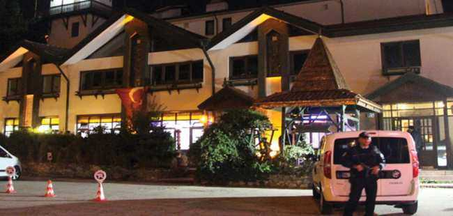 Otel restoranında büyük şok!