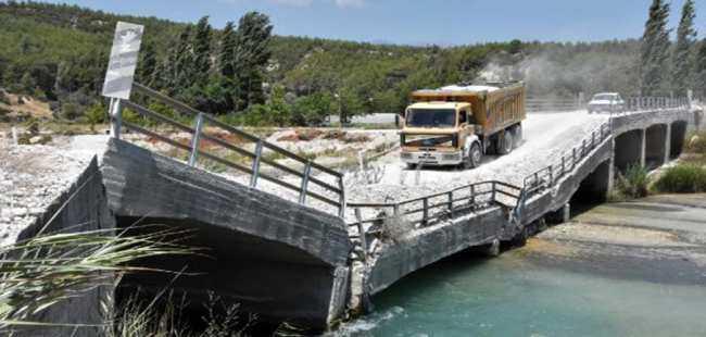 Çöken köprünün ihalesi yapıldı