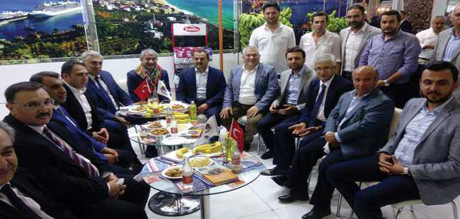 Türkiye'nin renkleri ve tatları Antalya'da