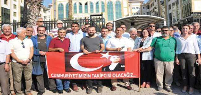 CHP'den Atatürk heykeli tepkisi