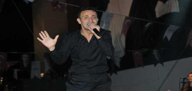 Mustafa Sandal'dan muhteşem konser