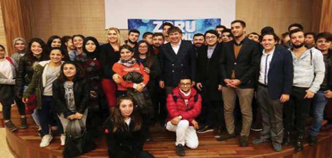 Başkan Türel üniversitelilerle buluştu