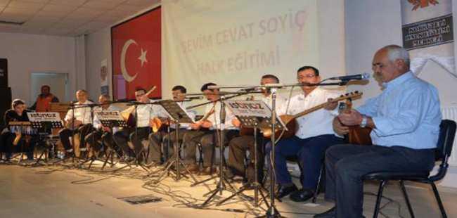Yerel sanatçılar konser verdi