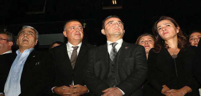 CHP'li vekillerden İlgezdi'ye destek