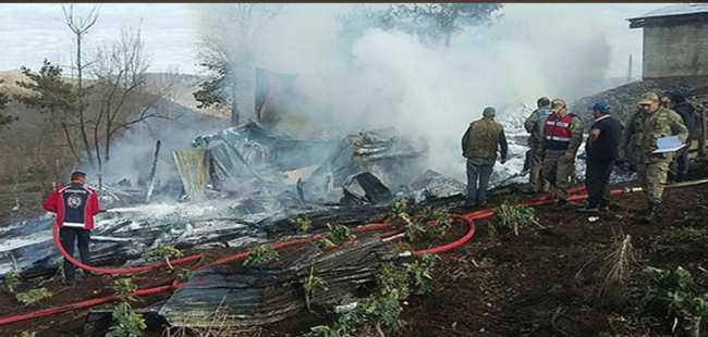 3 çocuk yanarak öldü