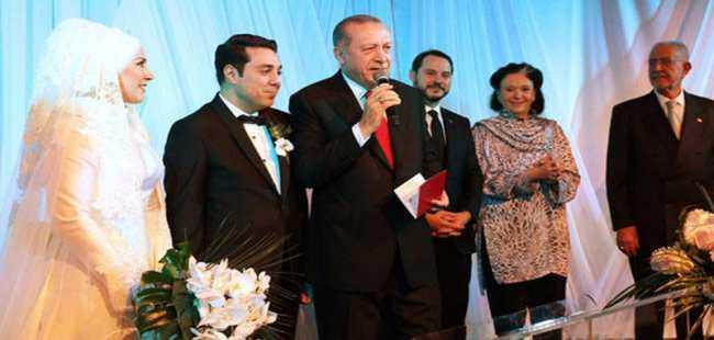 Siyaset ve sanat camiasını birleştiren düğün