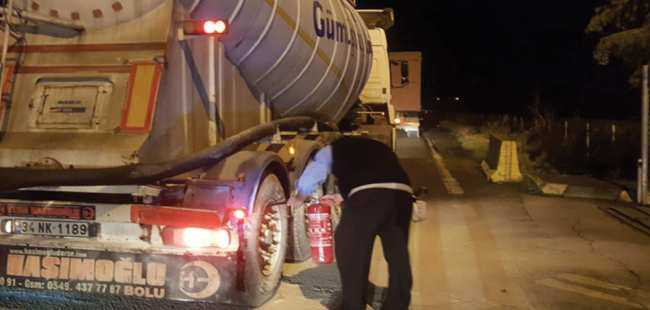 Kimyasal yüklü tankerin yanmasını önledi