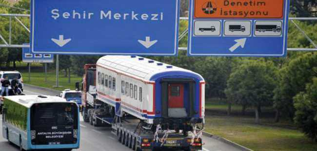 Antalya'ya tren geldi