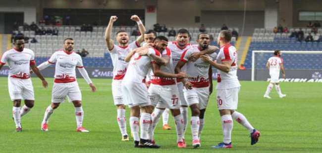 Derbi öncesi Antalyaspor'da 4 eksik