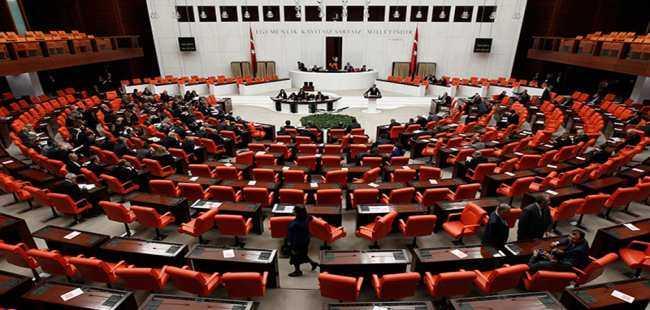 Meclis'te 'yılbaşı tatili' krizi sürüyor