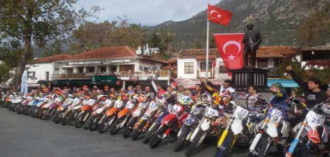 Ekstrem Enduro Motosiklet Şenliği başladı