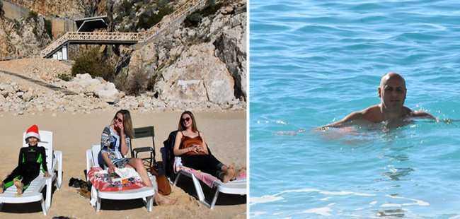 Kaş'ta tatilciler deniz keyfi yaptı