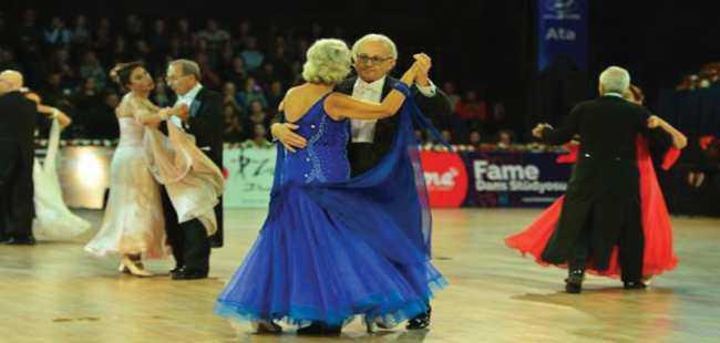 Antalya'da dans rüzgarı