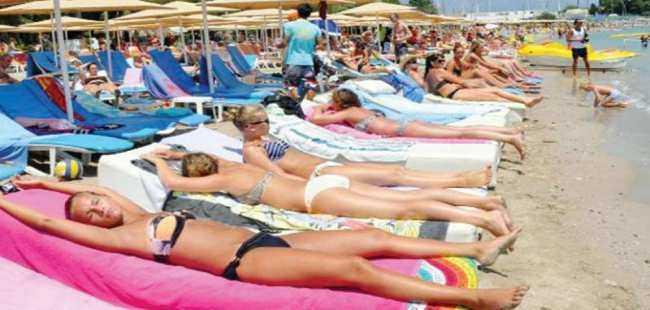 Kemer'de Rus turist rekoru kırıldı