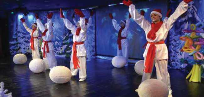 Antalya'da çocuklardan Noel Baba'ya mektup