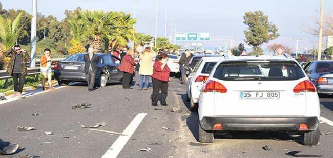 İzmir'de sürücü dehşet saçtı