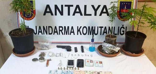 Jandarmayı tehdit eden uyuşturucu satıcısı yakalandı