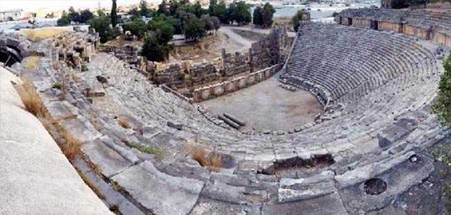 Antalya'nın en iyi korunan antik tiyatrosu restorasyona hazır