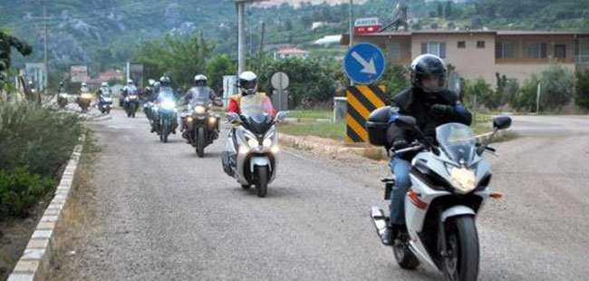 MOTOSİKLETLİLER KUMLUCA'DA KAMP YAPTI