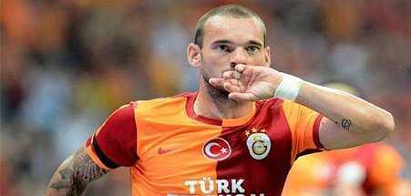 Hollandalı yıldız Galatasaray ile yollarını ayırdı