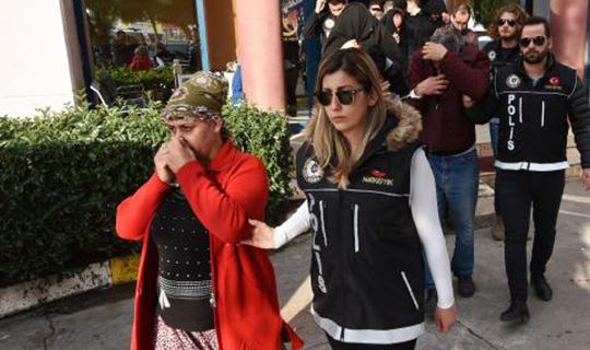 Antalya'da 12 kişi gözaltına alındı