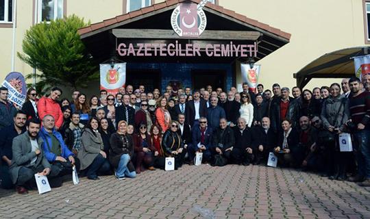 Antalya protokolünden Çalışan Gazeteciler Günü mesajı
