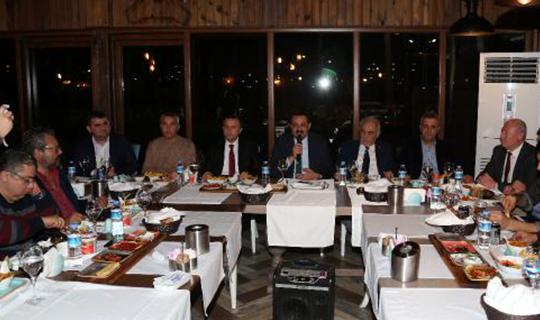 Başkan Sümer gazetecilerle bir araya geldi