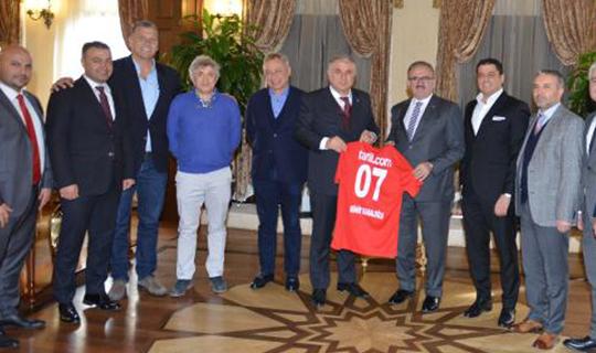 Antalyaspor yönetiminden Karaloğlu'na ziyaret