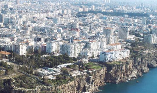 Antalya Türkiye'yi 3'e katladı