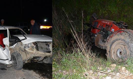 Otomobil park halindeki traktöre çarptı