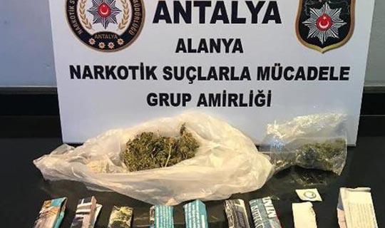 Antalya'da iki eve operasyon