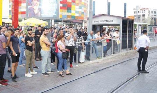 Antalya'da tramvay seferlerini durduran olay