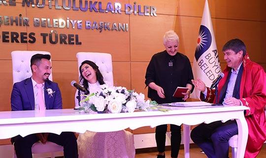 Başkan Türel'den bol 'esprili' nikah