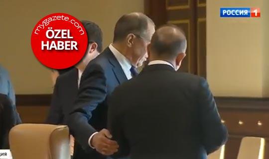 Lavrov neden Çavuşoğlu'nun koluna girerek köşeye çekti?