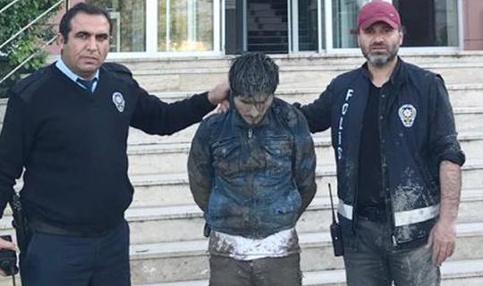 Polisle birlikte su birikintisine düştü