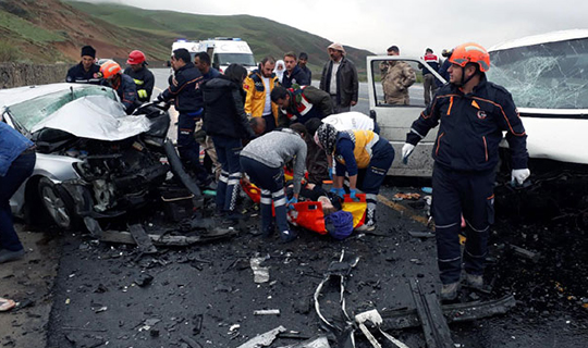 5 kişi öldü 10 kişi yaralandı