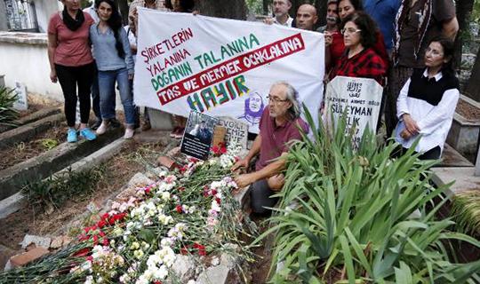 Öldürülen çevreci çift anıldı